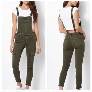 KENDALL AND KYLIE olive jegging overalls